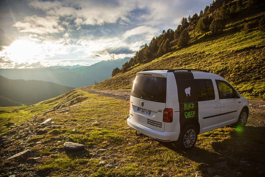 Volkswagen Caddy Campervan Mini