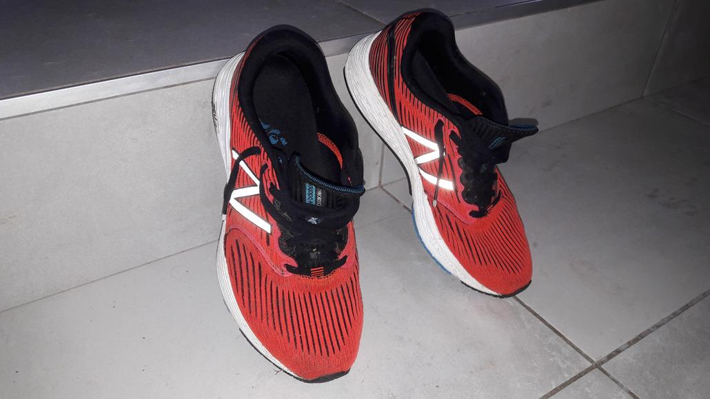 New Balance N890 v6