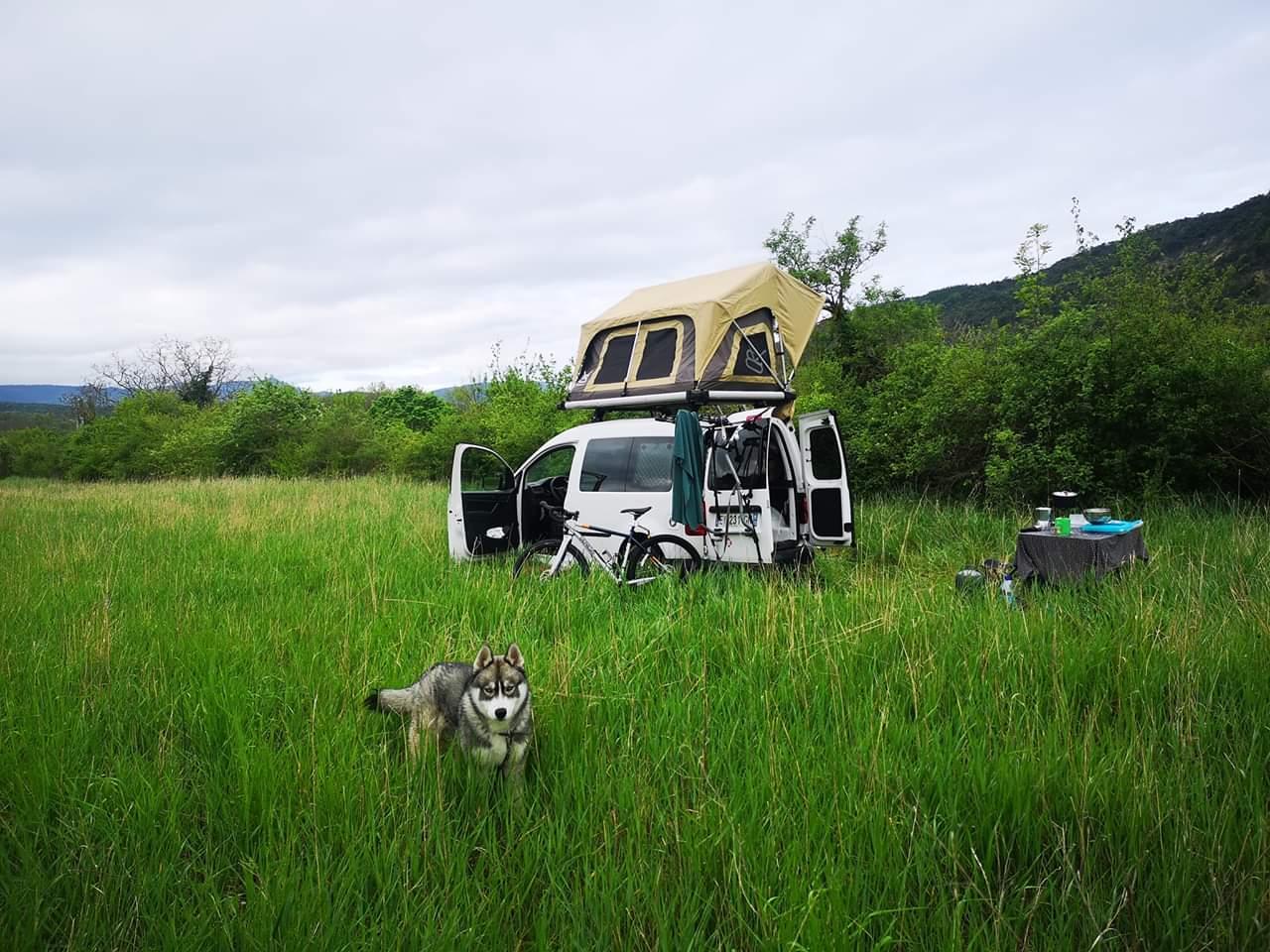 V8 Equipment tente de toit E.BEX.1 Tente de toit E. BEX. 1