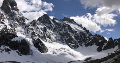 Alpinisme: Dans la face Nord de l'Ailefroide orientale