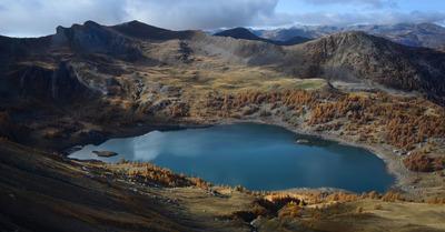 Le lac d'Allos en automne