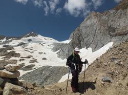 Maëlys quittant le glacier